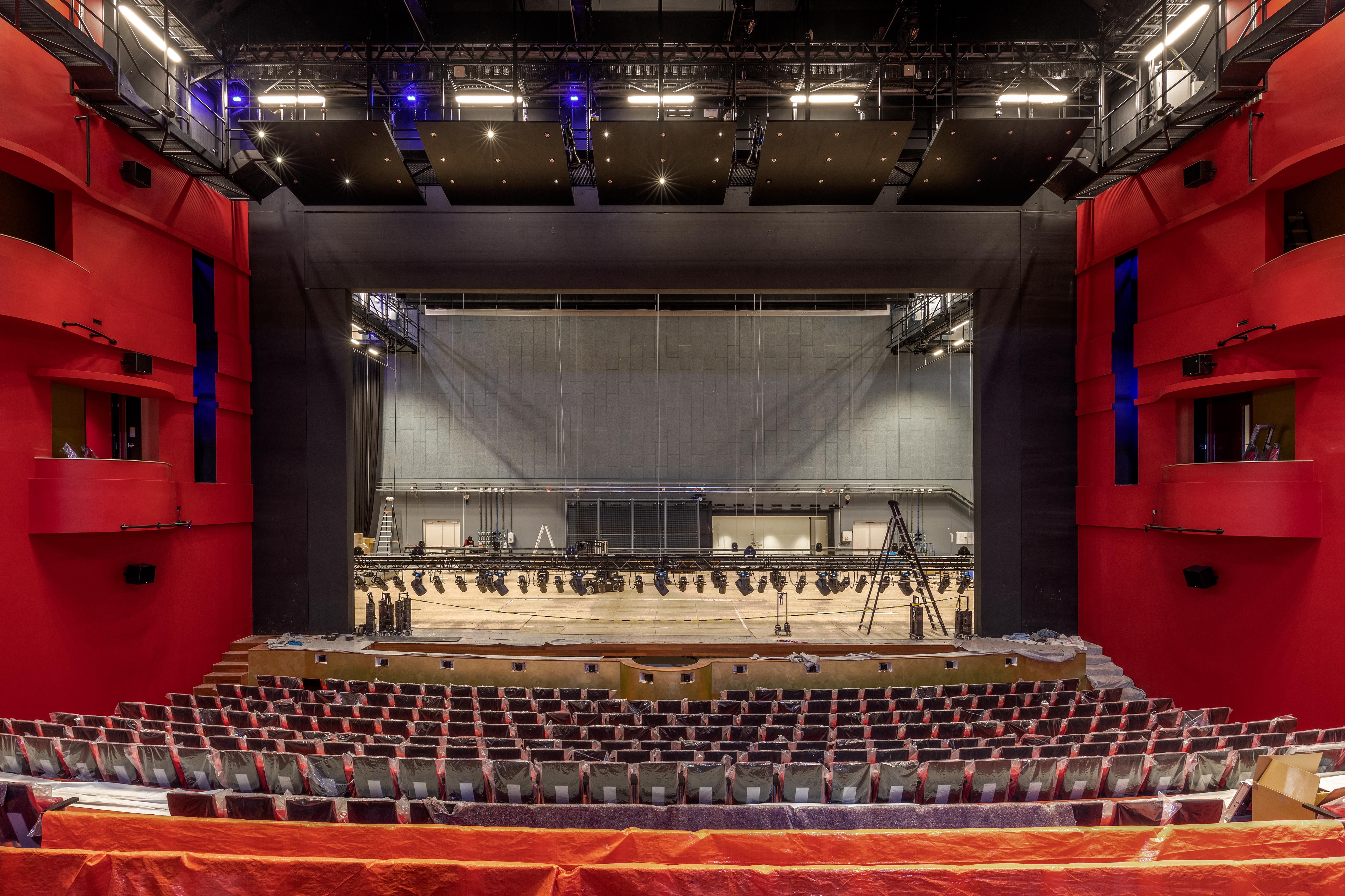 AFAStheater_26_