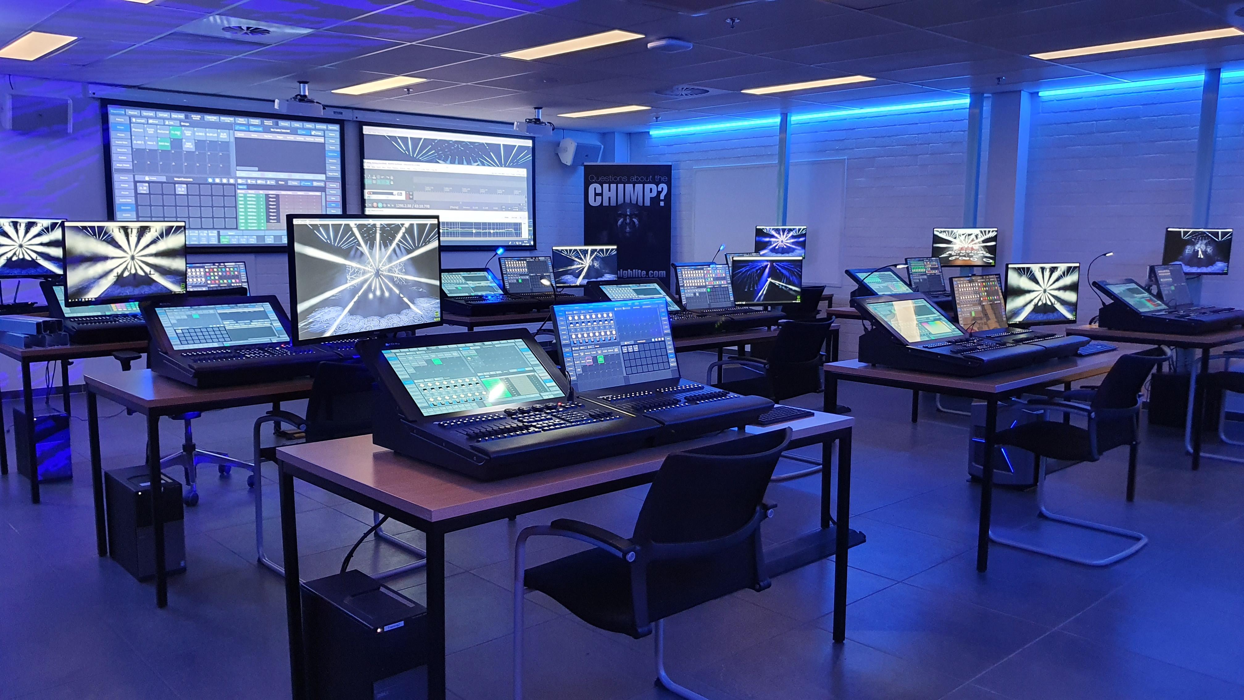 Chimp_trainingroom